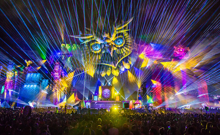 edc_new_york_2016_misc_crystal_village_thumbnail_700x430