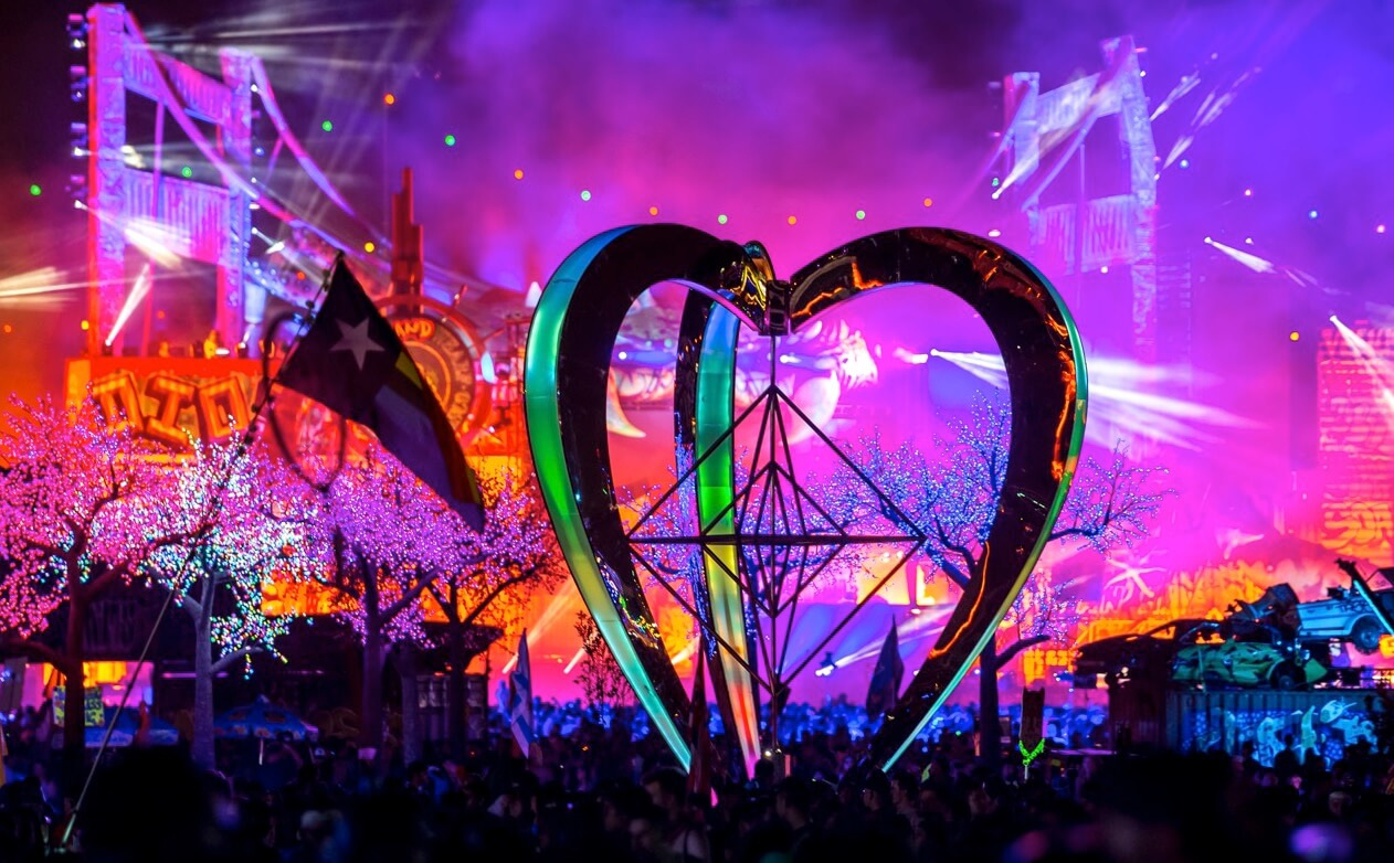 The Art of EDC Las Vegas: Metaheart